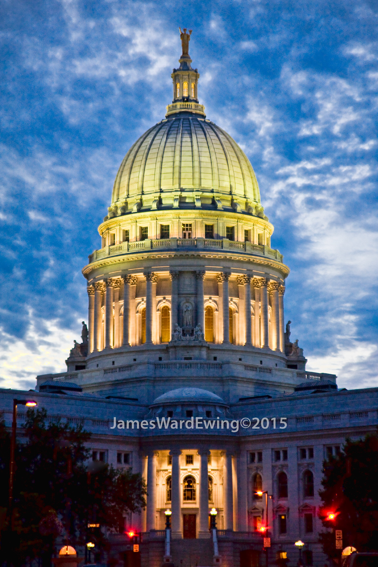 Wis.State-Capitol.Dusk